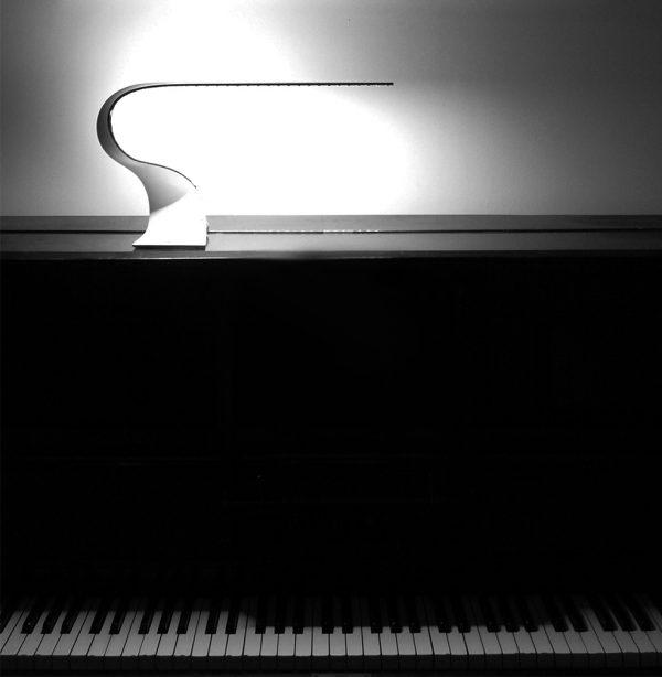 Ruray Sculptural LED Desk Light-interior shot piano 2