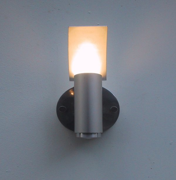 Fly Light Reflector Wall Light- front view